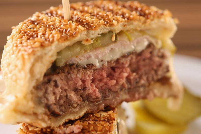 Bobby Flay S New Menu Offers Outrageously Good Burgers At Mohegan Sun