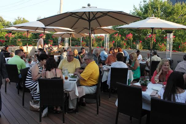 Top 25 Most Gorgeous Delicious Outdoor Dining Spots In Connecticut Bests Tops Connecticutmag