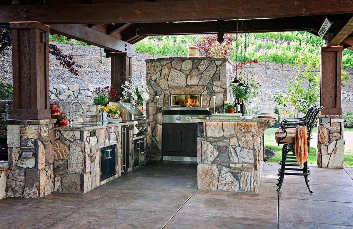 Cooking Wood-Stone-Pizza-Oven-in-Outdoor-Kitchen.jpg