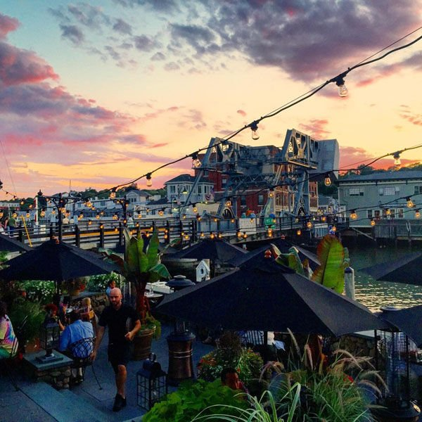 25 Can't-Miss Spots For Casual Outdoor Dining and Drinking