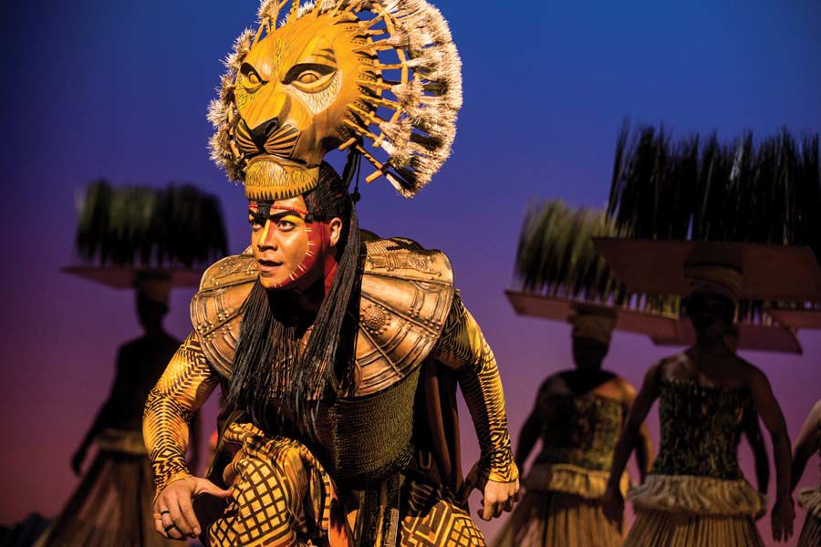 "S5_-_Gerald_Ramsey_as_""Mufasa""_in_THE_LION_KING_North_American_Tour._©Disney._Photo_by_Matthew_Murphy._.jpg"