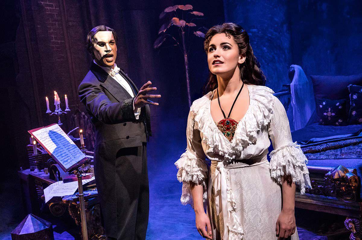 01. THE PHANTOM OF THE OPERA - Quentin Oliver Lee and Eva Tavares - photo by Matthew Murphy.jpg