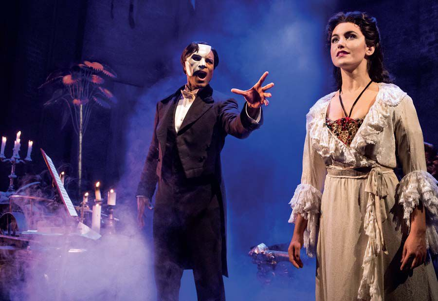 THE PHANTOM OF THE OPERA 1 - Derrick Davis and Eva Tavares - photo Matthew Murphy.jpg