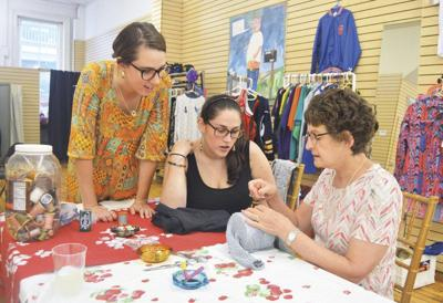 Consignment shop hosts workshop on mending clothes