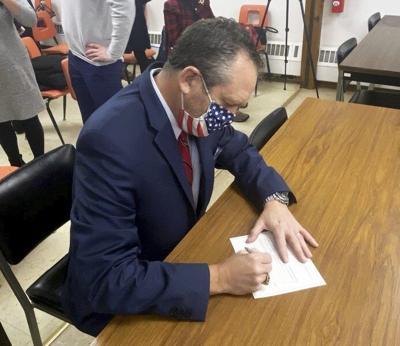 Oberackertakes oath of office