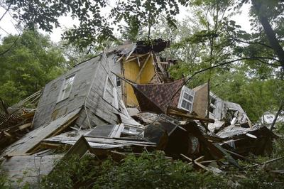 Dilapidated hotel collapses in Sharon Springs