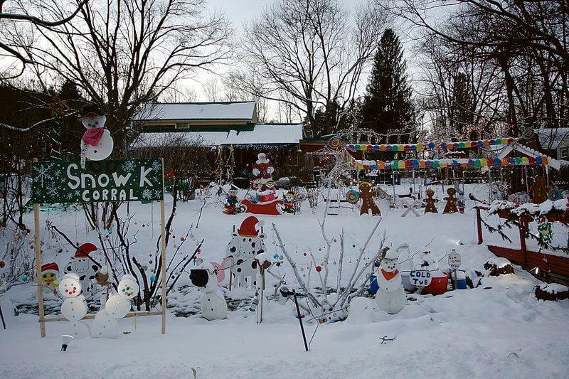 Milford man's Christmas display delights onlookers