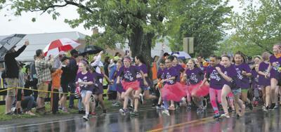 Girls on the Run breaks through rain