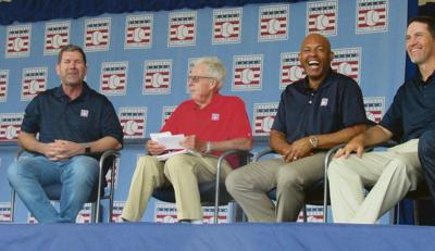 HOF class of 2019 wraps weekend with legends roundtable