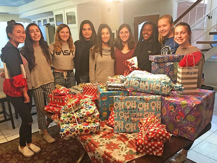 Christmas Gift Giving Images.Christmas Gift Giving Tradition Coronado Eagle Amp