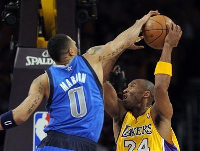 Mavs-Lakers win Game 1.jpg