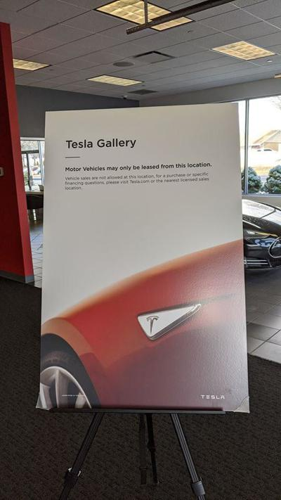 Tesla, getting around state law, will lease in CT