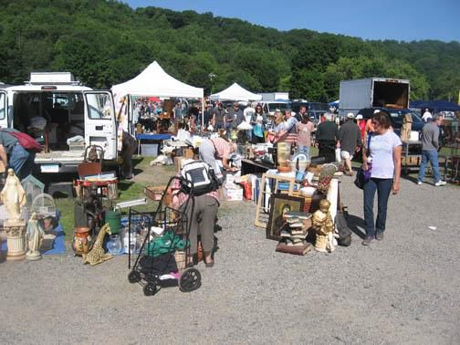 Elephant S Trunk Flea Market Is A Potpourri Of Outdoor Vendors