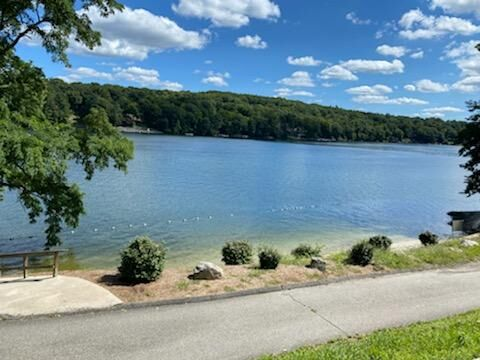 Police: Norwalk father dies trying to save kids from drowning at Candlewood Lake in New Milford
