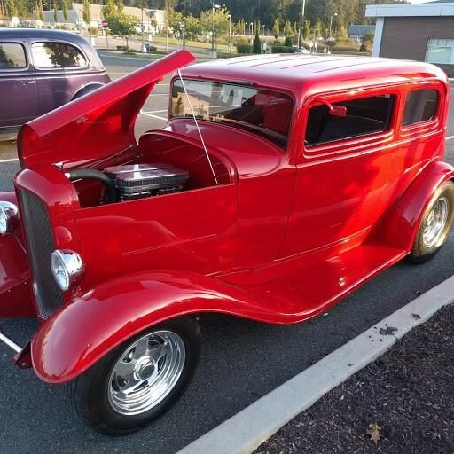 Car show comes to Litchfield Crossings