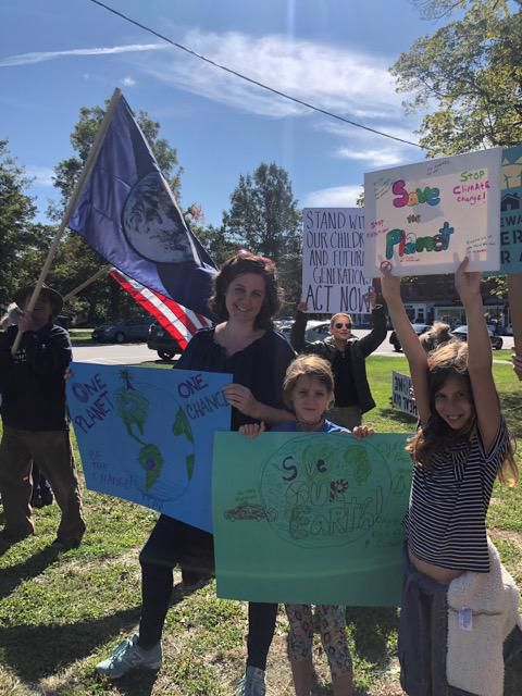 Global Climate Strike draws local residents to Litchfield Green