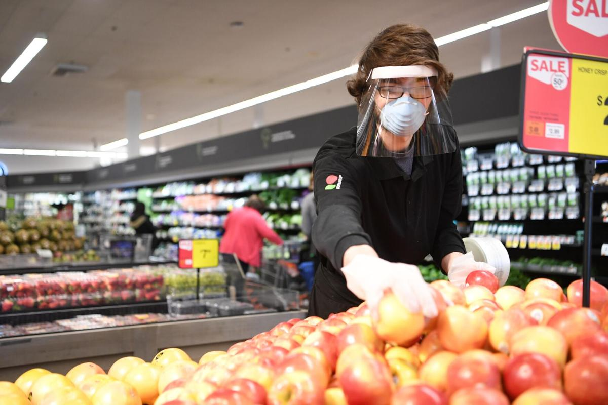 Tentative deal will give Stop & Shop workers retroactive premium pay for working during the pandemic