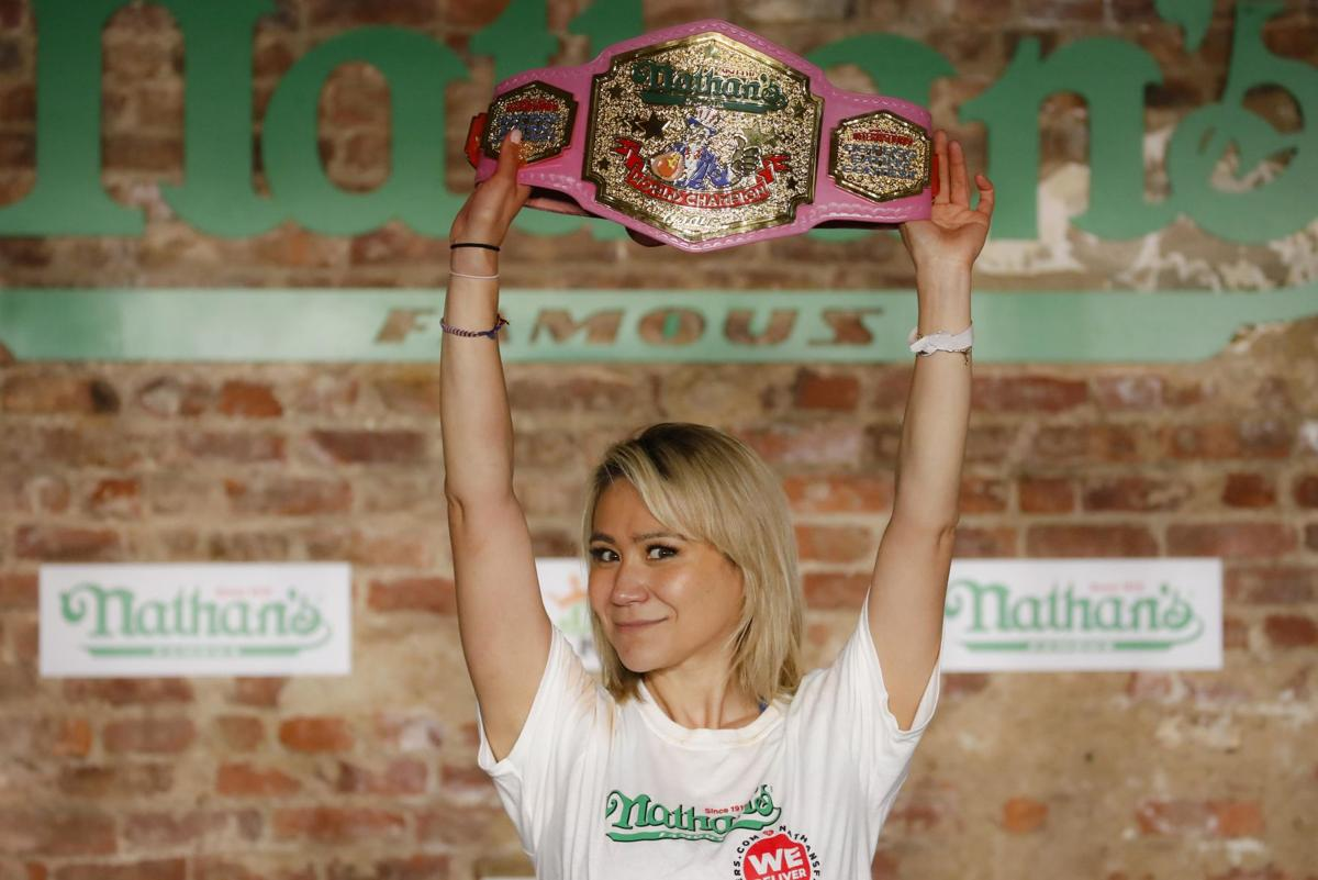 Report: Torrington woman retains Nathan's Famous Hot Dog Eating Contest crown