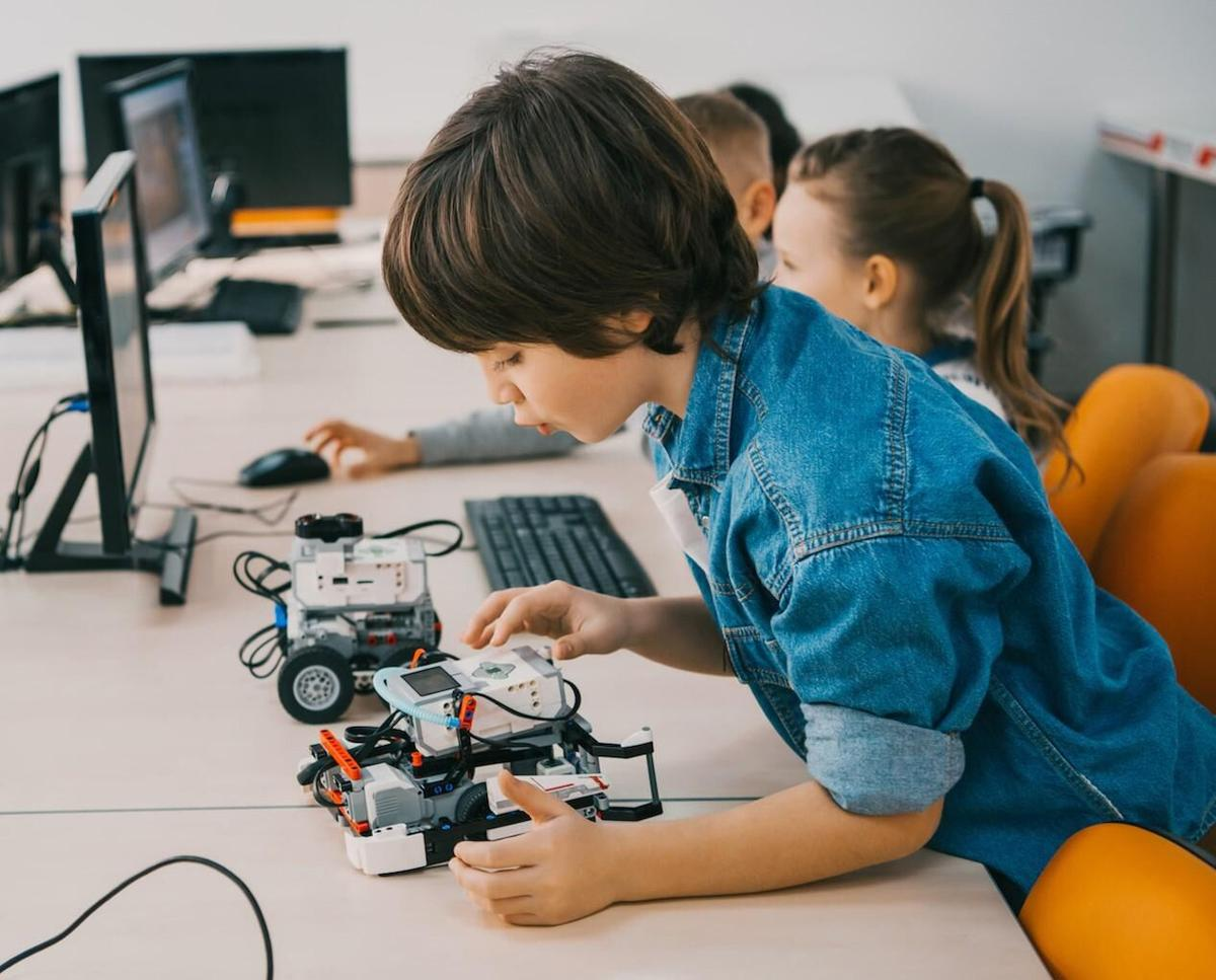 In Litchfield County, NextGen SmartyPants engages students with STEAM program