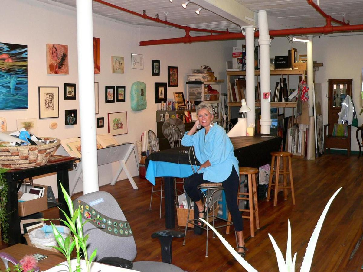 Amid coronavirus pandemic, Winsted artist inspired by crows