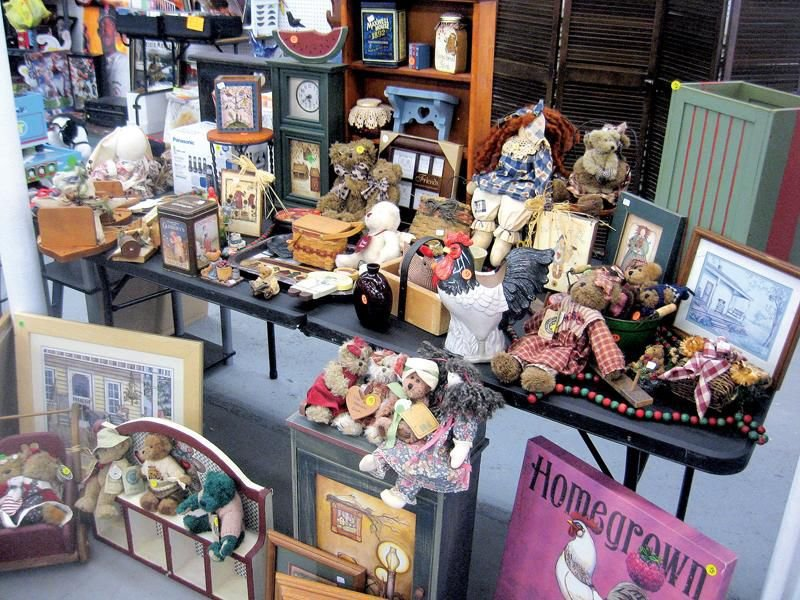 Indoor flea market is paradise for nostalgia hunters