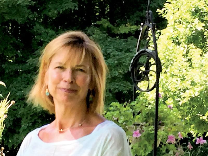 Following her dream to Provence, author weaves drama of present and past