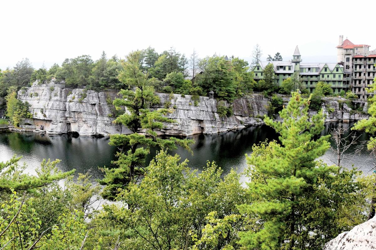 Mohonk Mountain House: Blooms with a view