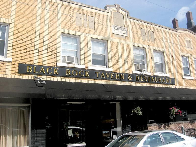 Black Rock Tavern a cornerstone in Thomaston dining