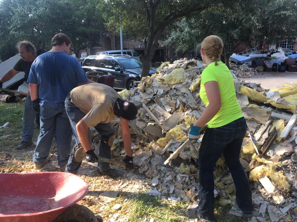 Whirlwind Service Local Volunteers Offer Helping Hands In Harvey Aftermath