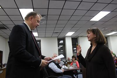 Hale Sworn in 1.jpg