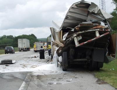 No one injured in I-40 crash | | crossville-chronicle com
