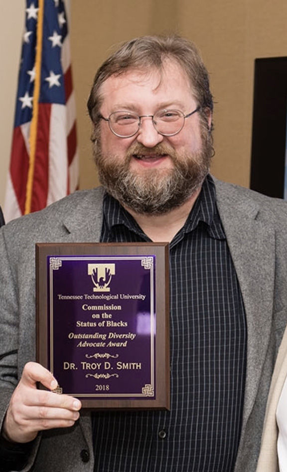 1-8 CWRT-Troy-Smith Award picture.jpg