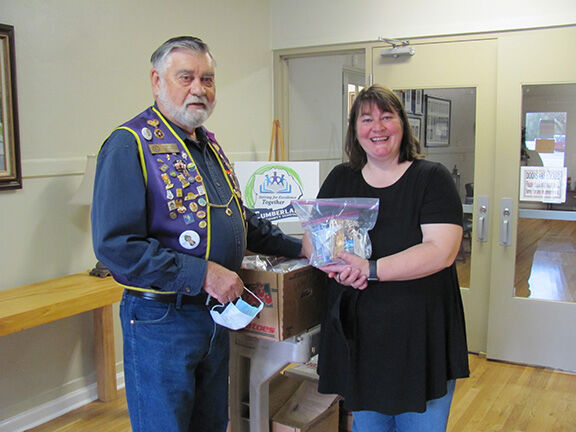Crossville lions-diabetes kits Delivery.JPG