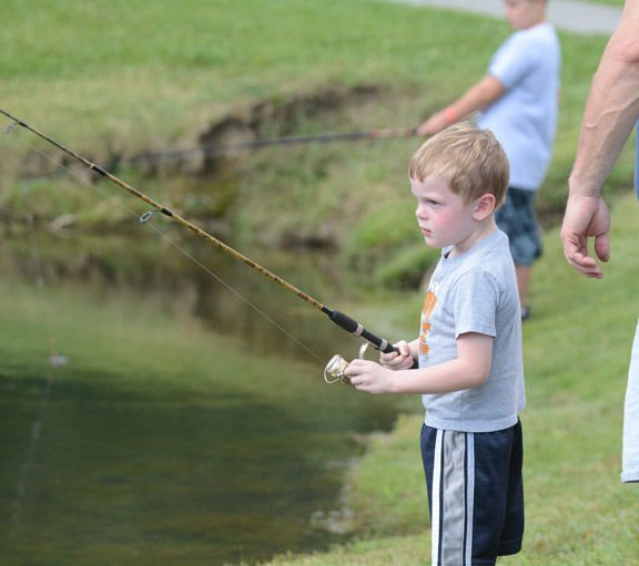 Fairfield bass club hosts fishing derby local sports for Local bass fishing clubs