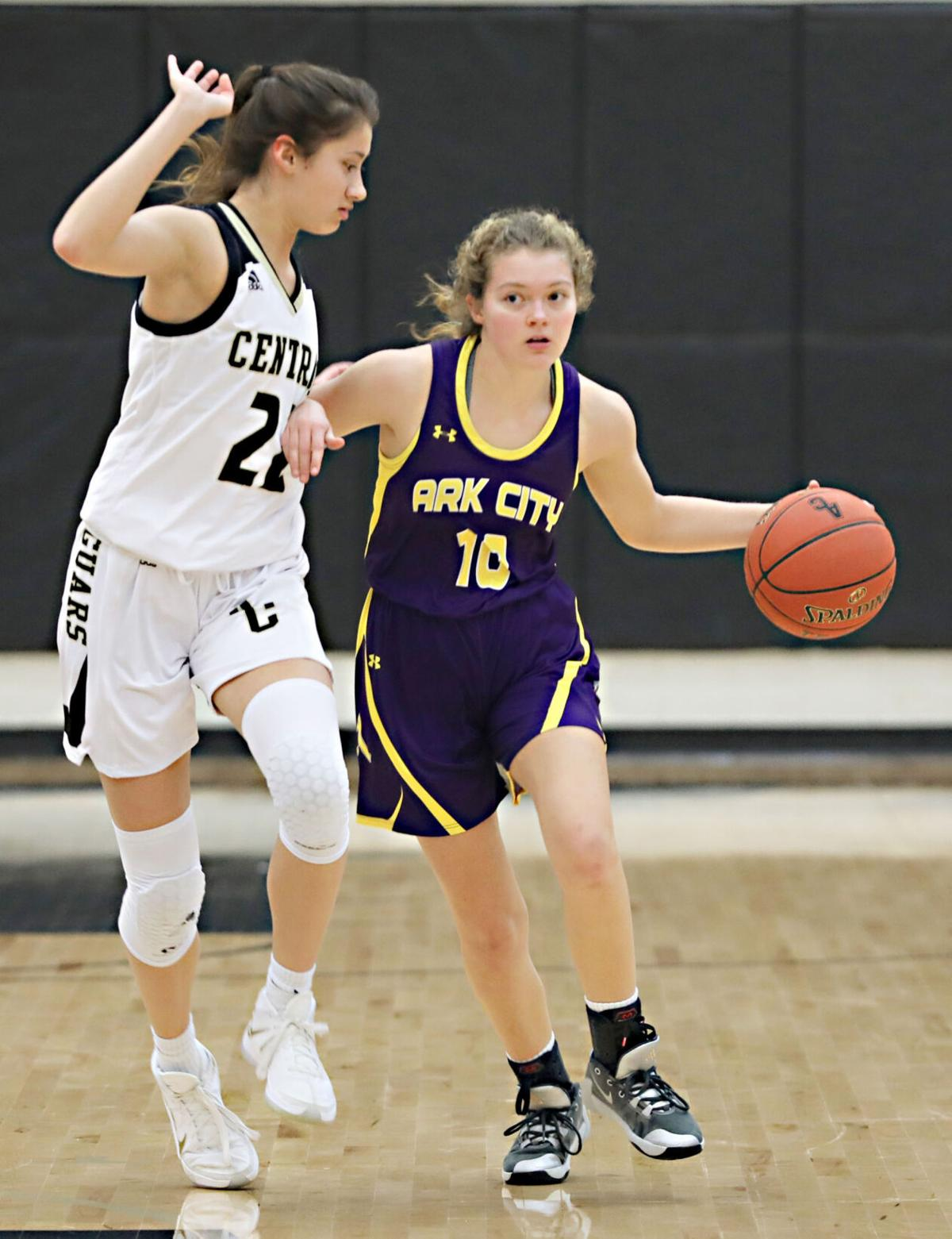 Bulldogs pull away at Andover Central, move record to 6-1