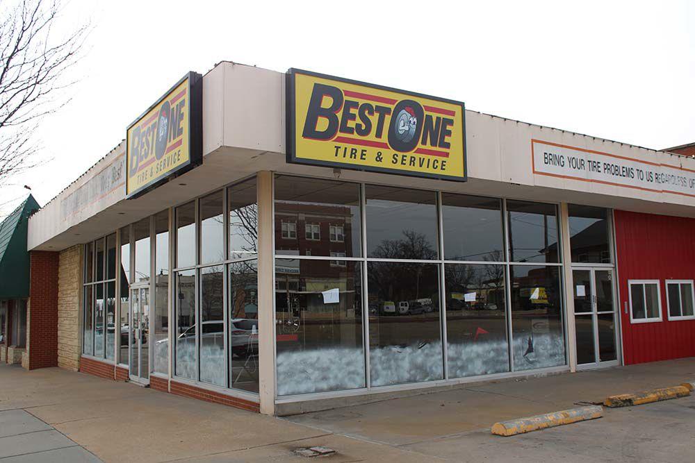Ark City tire shop closes