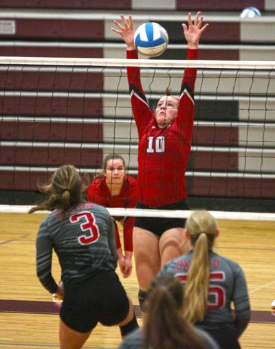 Aubrey Eilers the only player on all-league volleyball first teams