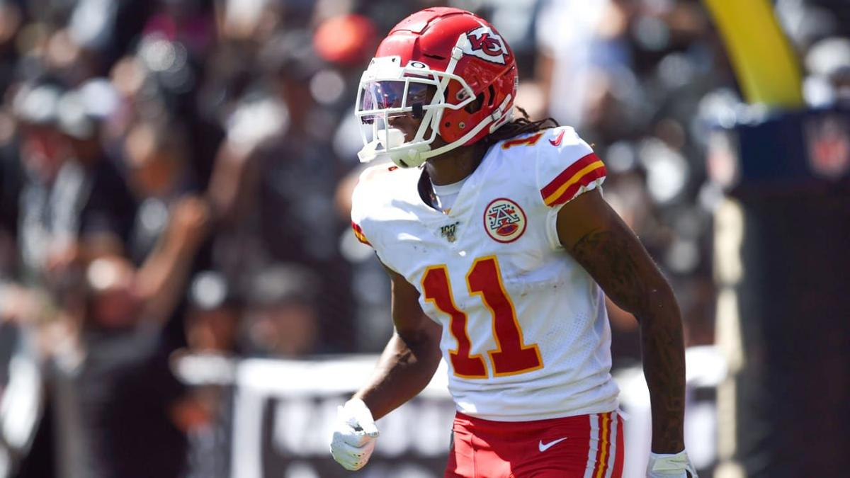 Chiefs agree to keep DeMarcus Robinson with one-year deal
