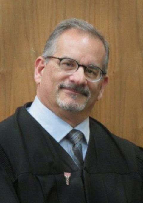St. Peter to stay chief judge