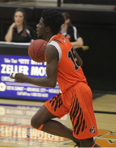 Tigers put up 125 in win