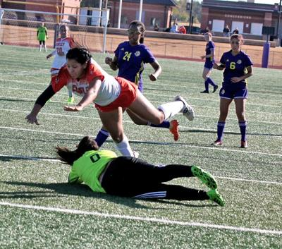 Lady Tigers shut out Conqs