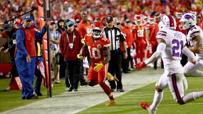 Chiefs begin prep for Washington with mounting injuries