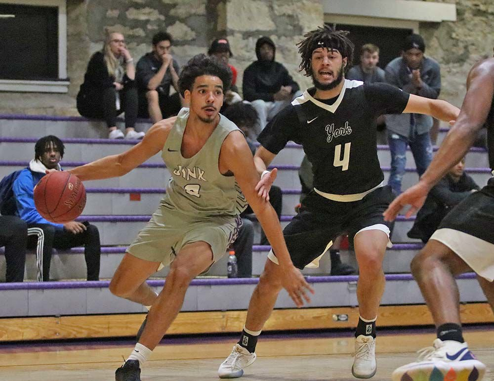 Moundbuilders pick up big home victory