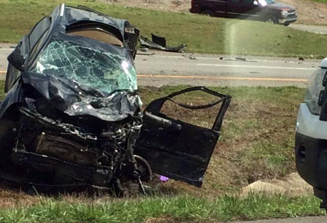 UPDATE (2): One killed, several injured in three-vehicle