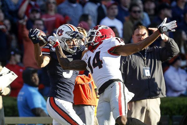 Georgia Holds On Beats Auburn 21 14 Sports Cullmantimes Com