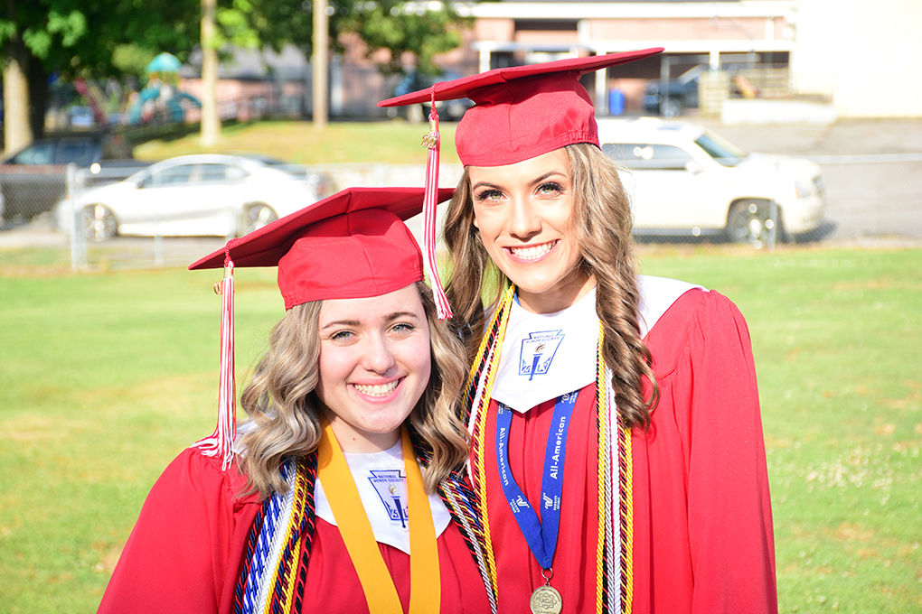 Vinemont sisters Ivy and Bailey Preiss