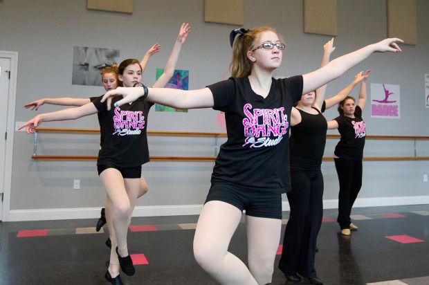 Former Rockette encourages Carlisle-area dancers to dream ...