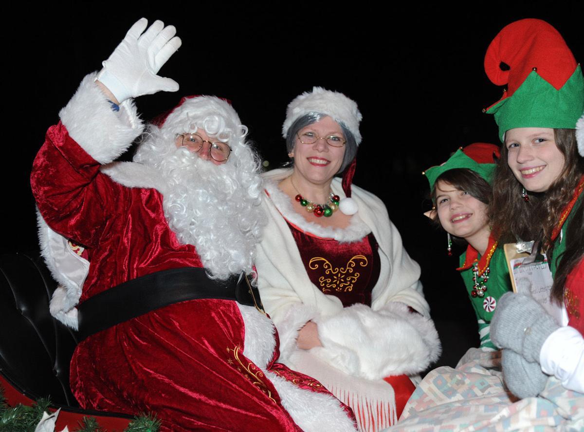 Cumberlink Restaurants Open On Christmas Day Carlisle Pa 2021 Santa Arrives In Downtown Carlisle Dec 4 Carlisle Cumberlink Com