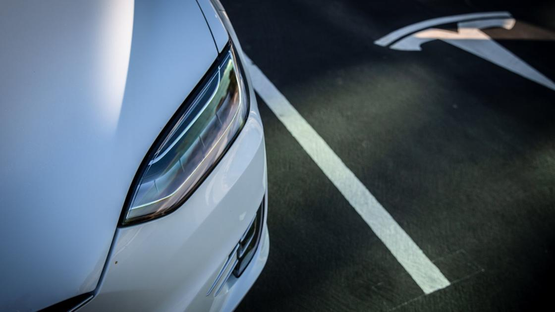 'Terrifying but fantastic:' New Tesla feature sparks awe, mayhem