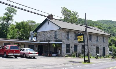 Holly Inn 1